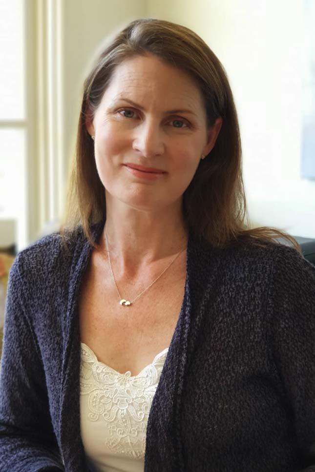 Leanne Ireland - Strategiest & Online Business Manager